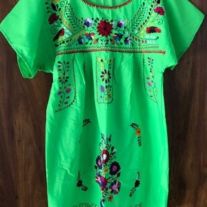 Mexican Dress color lime green size. Medium